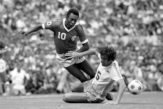 Mike England challenges Pele