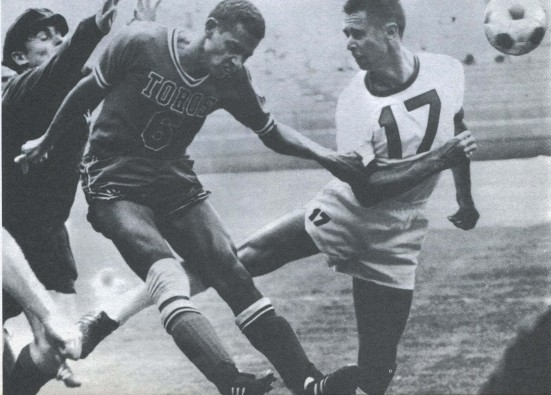 Woosnam in action against San Diego Toros