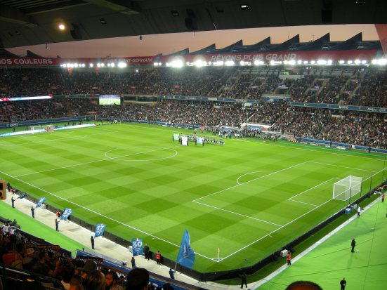 A near-full Parc des Princes