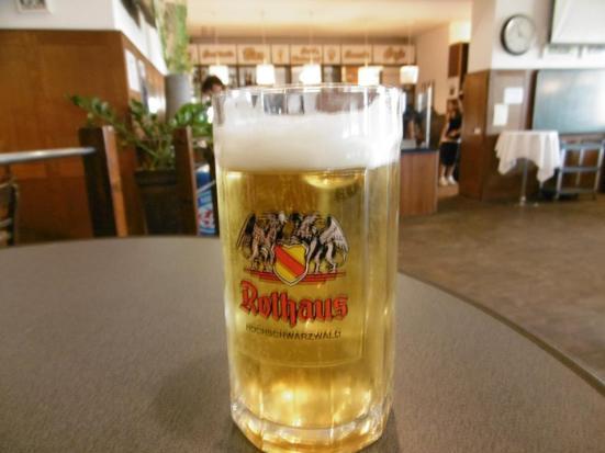 Kann ich ein andere grosse bier haben, bitte?